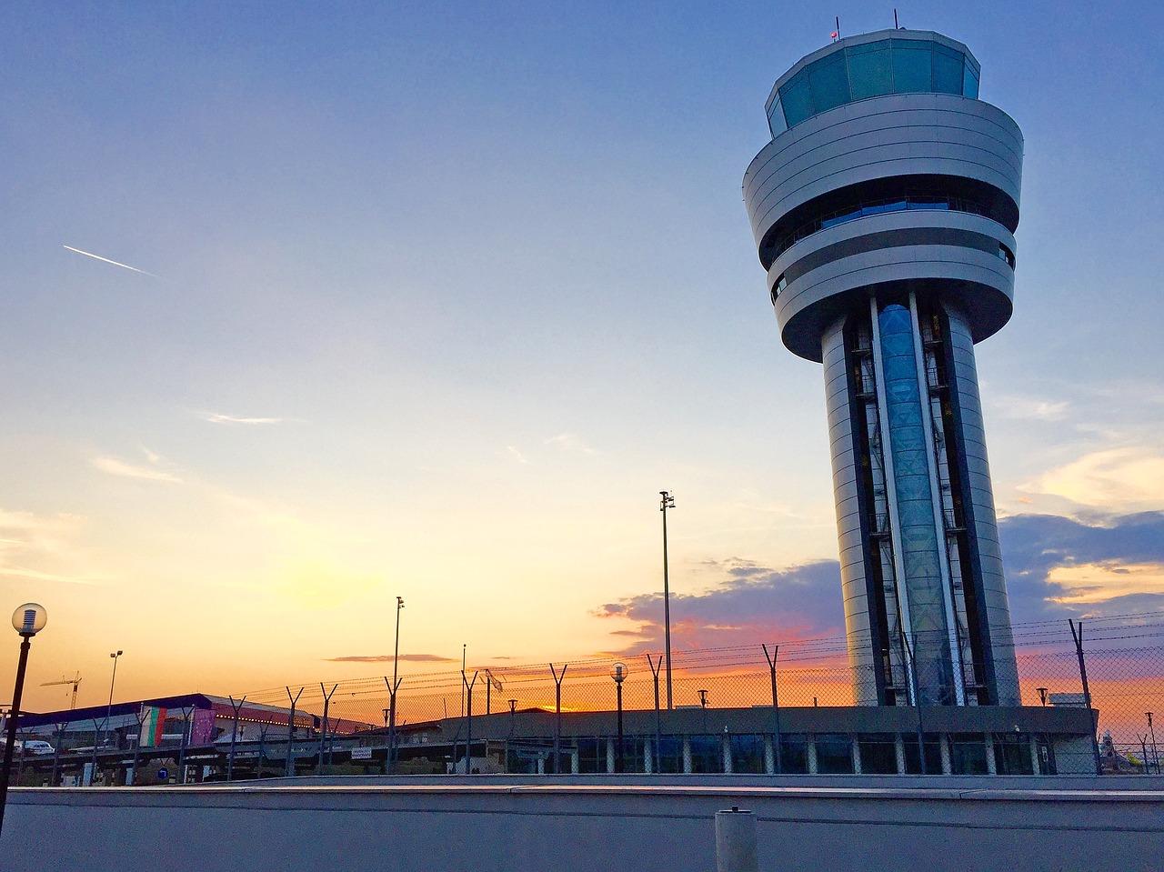 Convocatoria 2019 a controlador aereo de ENAIRE